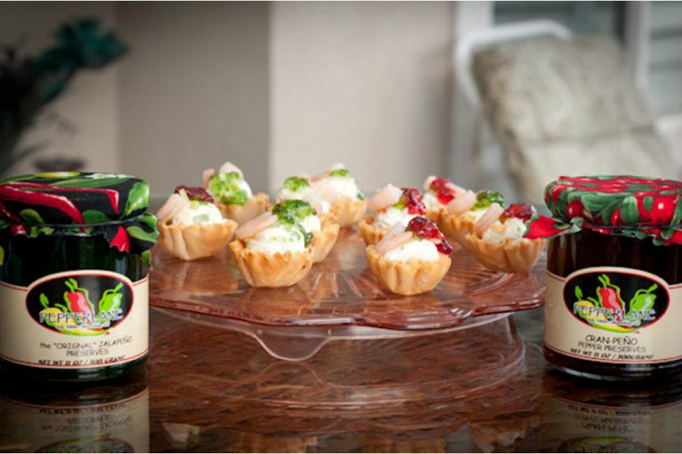 Stuffed Mini Fillo Holiday Cups